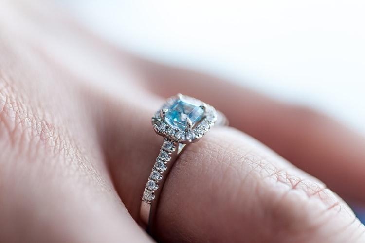 6 Model Cincin Berlian yang Sedang Hits dan Wajib Anda Ketahui