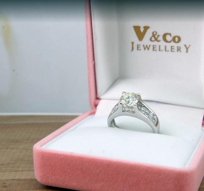 Cincin Kawin Best Seller V&Co Jewellery