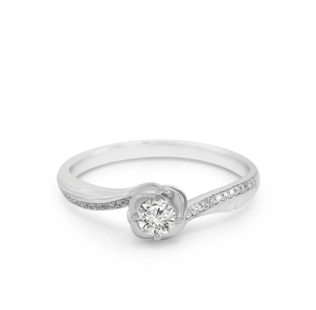 cincin berlian cantik