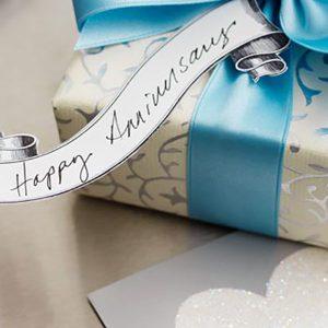 7 Tips Ampuh Memilih Kado Anniversary Pernikahan untuk Istri