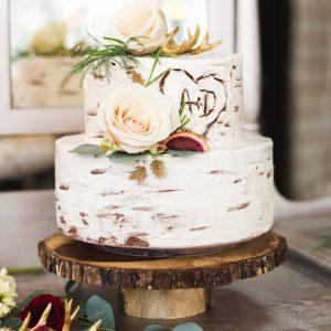 5 Inspirasi Kue Pernikahan Sesuai Tema Pernikahan