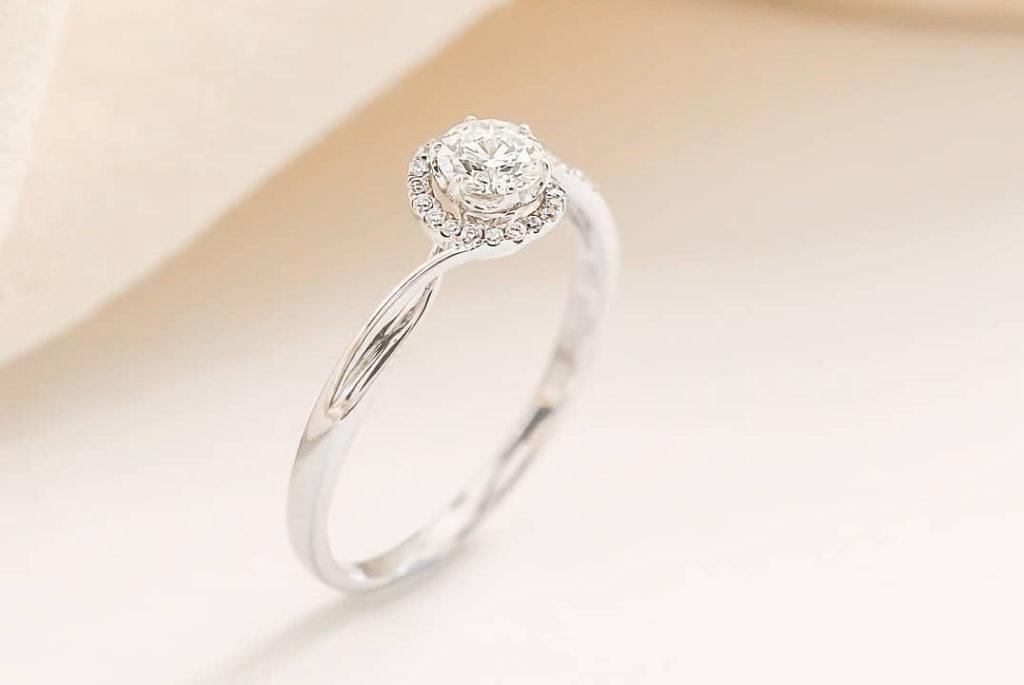 Tips Memilih Berlian untuk Cincin